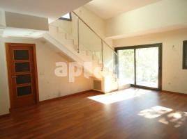 New home - Flat in, 107.00 m², 3 bedrooms, near bus and train, new
