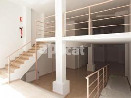 Local comercial, 161.00 m², cerca de bus y tren, industria