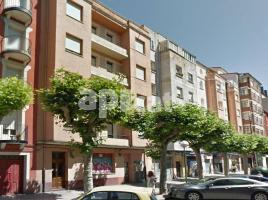 Business premises, 90.00 m², near bus and train