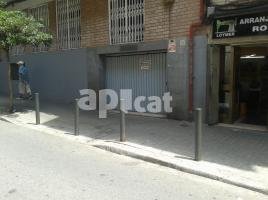 Business premises, 540.00 m², near bus and train, Doctor Ramon Solanich i Riera