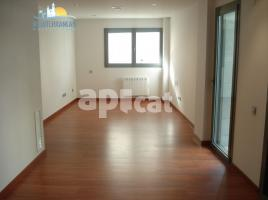 New home - Flat in, 156 m², near bus and train, new