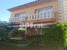 Houses (terraced house), 180.00 m², near bus and train, almost new