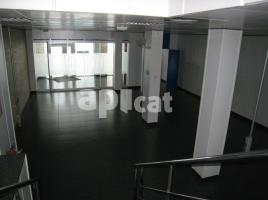 For rent business premises, 342.00 m², near bus and train