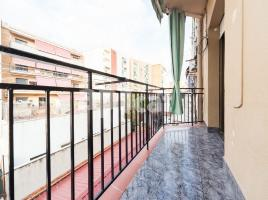For rent flat, 70 m², near bus and train