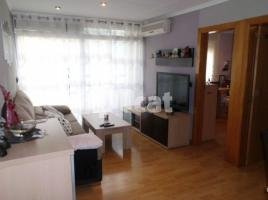 Flat, 76 m², near bus and train