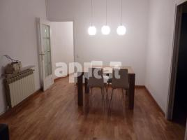 For rent flat, 109 m², close to bus and metro