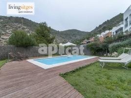 For rent Houses (detached house), 290 m², near bus and train, almost new, Zona 1