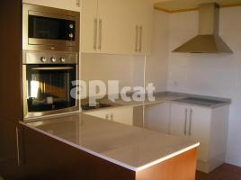 Houses (terraced house), 211.00 m², almost new, HOSPITAL