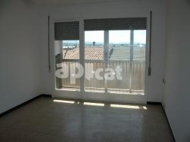 Flat, 86 m², near bus and train