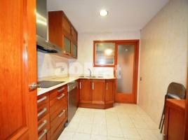 Flat, 101 m², near bus and train, Avda.Barcelona