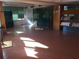 Lloguer local comercial, 300.00 m²