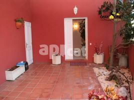 For rent Houses (detached house), 274.00 m², near bus and train