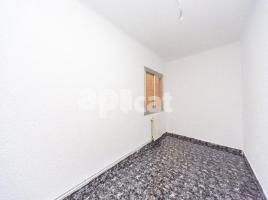 For rent flat, 82 m², near bus and train