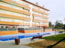 Flat, 112 m², near bus and train, almost new