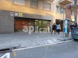 For rent business premises, 260.00 m², near bus and train, de Casanova