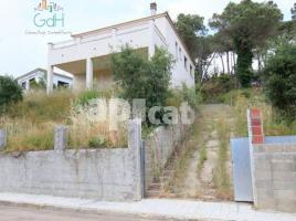 Houses (detached house), 249 m², near bus and train, almost new