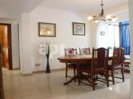 For rent flat, 95 m², near bus and train