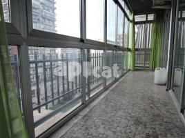 For rent flat, 130 m², close to bus and metro