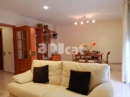 Houses (detached house), 309 m², almost new