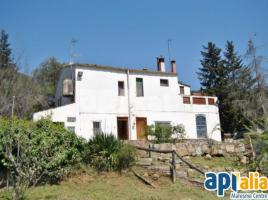 Houses (detached house), 322 m², near bus and train