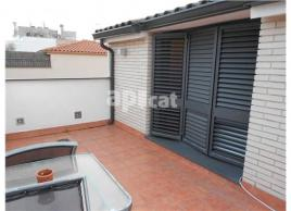 Flat, 135 m², almost new