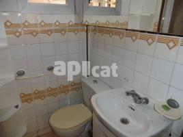 For rent flat, 72 m², near bus and train