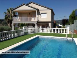 Houses (villa / tower), 297.00 m², near bus and train