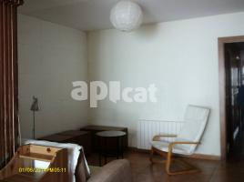 For rent Houses (detached house), 65 m², near bus and train