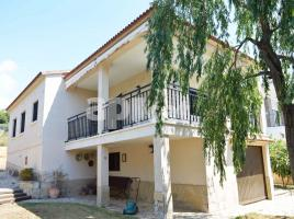 Houses (villa / tower), 223.00 m², Residencial