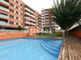 Flat, 109 m², near bus and train, almost new, SECTOR NAPOLS
