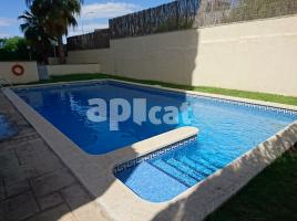 For rent duplex, 141 m², near bus and train, almost new