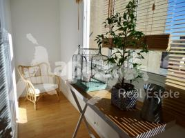 Flat, 70 m², close to bus and metro