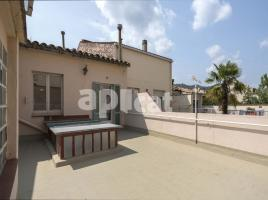 Houses (detached house), 165 m², near bus and train