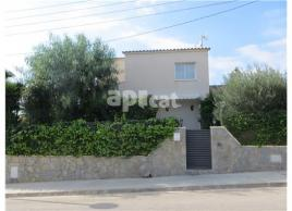 For rent detached house, 150 m², almost new, URBANIZACIONES